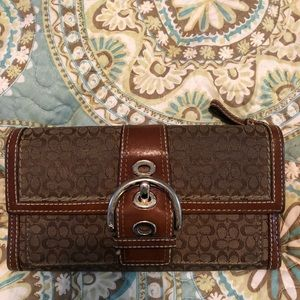 Previously loved full size signature coach wallet